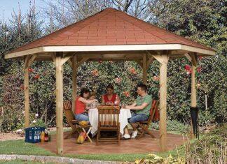 Drewniany domek narzędziowy