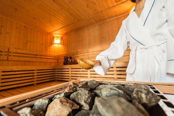 Sauna na podczerwień i jej pozytywny wpływ na skórę